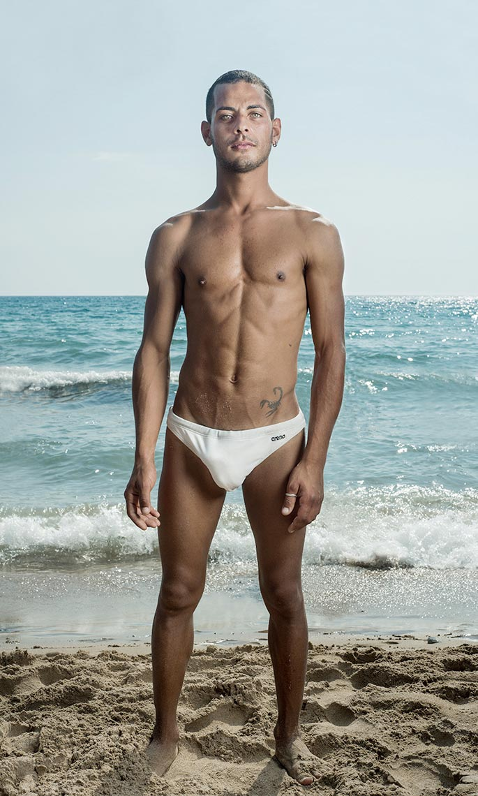 Sicily_Beach_Portrait_B007
